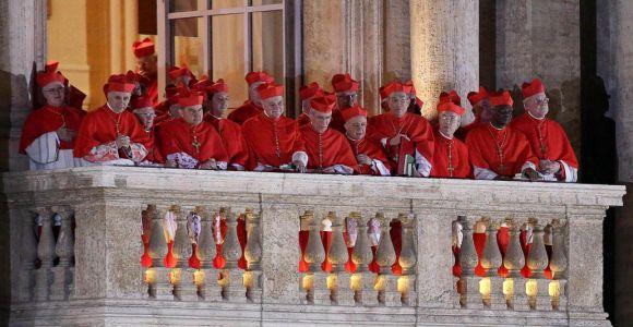 cardenals-balcó-vaticà